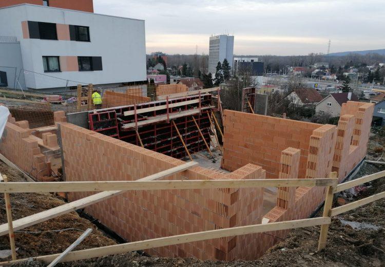 Fotografia - Výstavba – Hrubá stavba 1